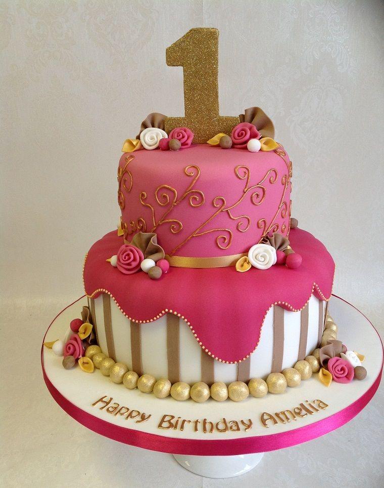Torte di compleanno per bambini a due piani con pasta di for Idee per torta di compleanno