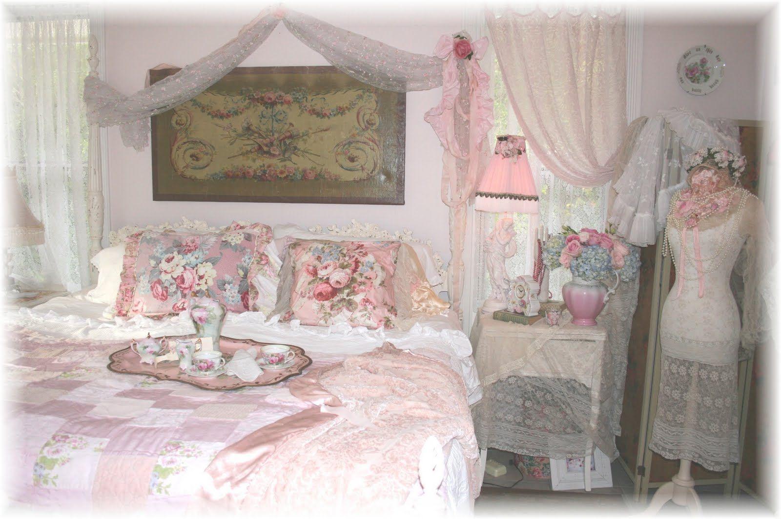 rose petals on bed ideas Google Search Cozy room