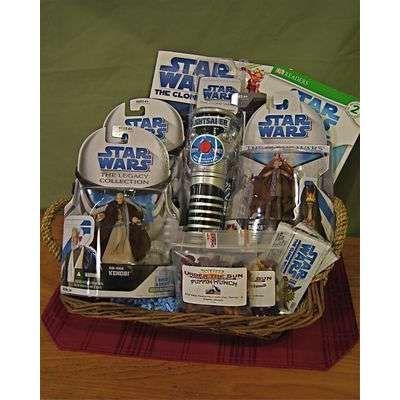 Star Wars Gift Basket  sc 1 st  Pinterest & Star Wars Gift Basket | Gift Baskets | Star wars gifts Auction ...