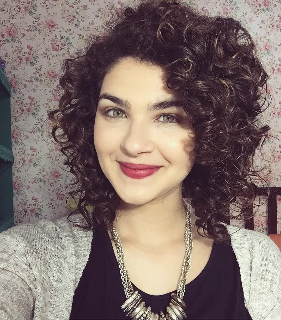 Medium haircut curly hair ideas pinterest hair style curly