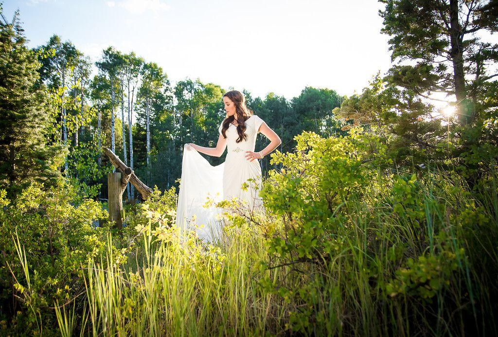wedding photography, bridals, wedding dress, outdoor photography