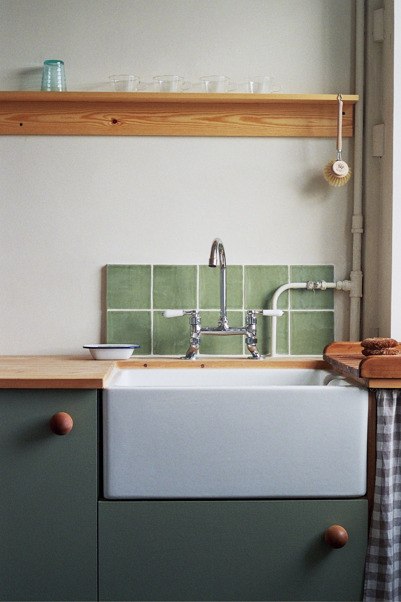 A Vintage-Inspired Apartment in Hackney from Abel Sloane and Ruby Woodhouse of 1...