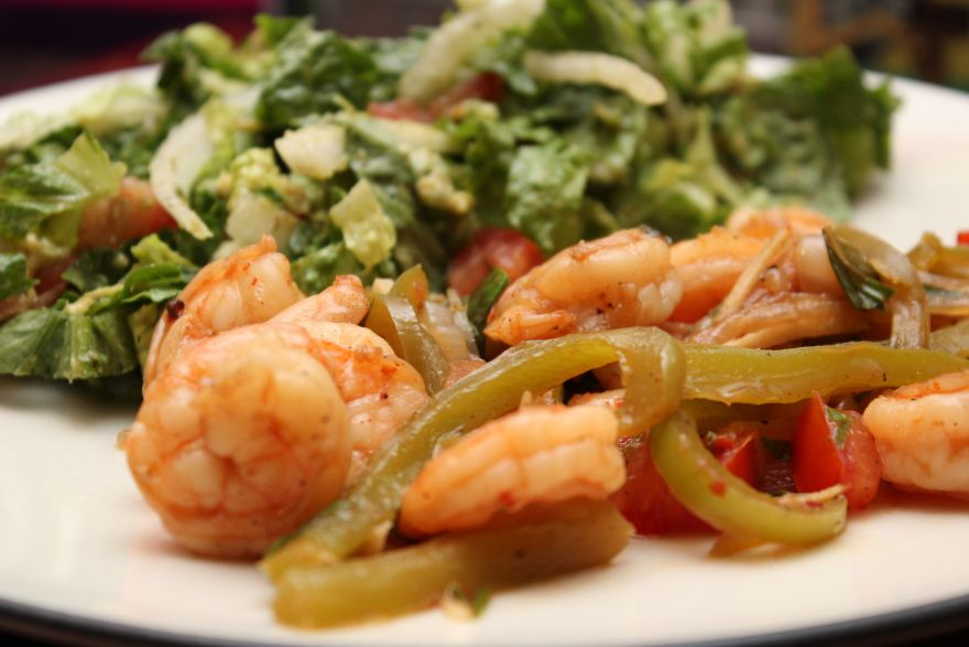 Shrimp with Tomato, Basil & Peppers