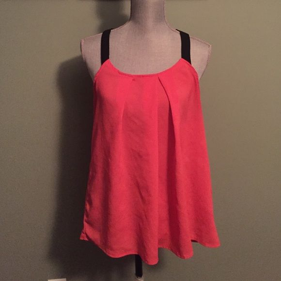 Beautiful 21 top This is a great tank for a summer day or going out at night pinkish with black. Light weight flowy top Tops Tank Tops