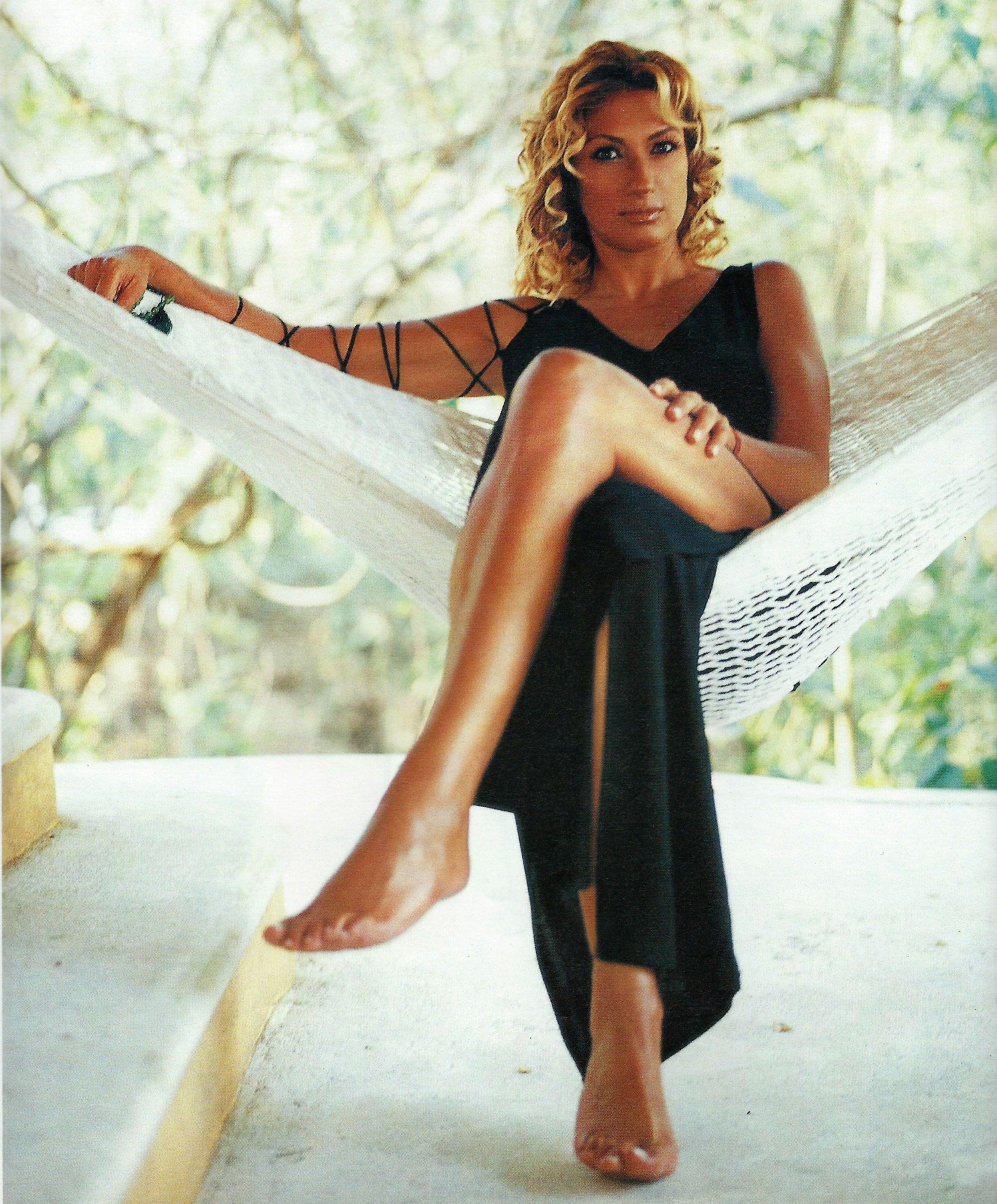 Adela-Micha-Feet-1128086.jpg (2490×3005)