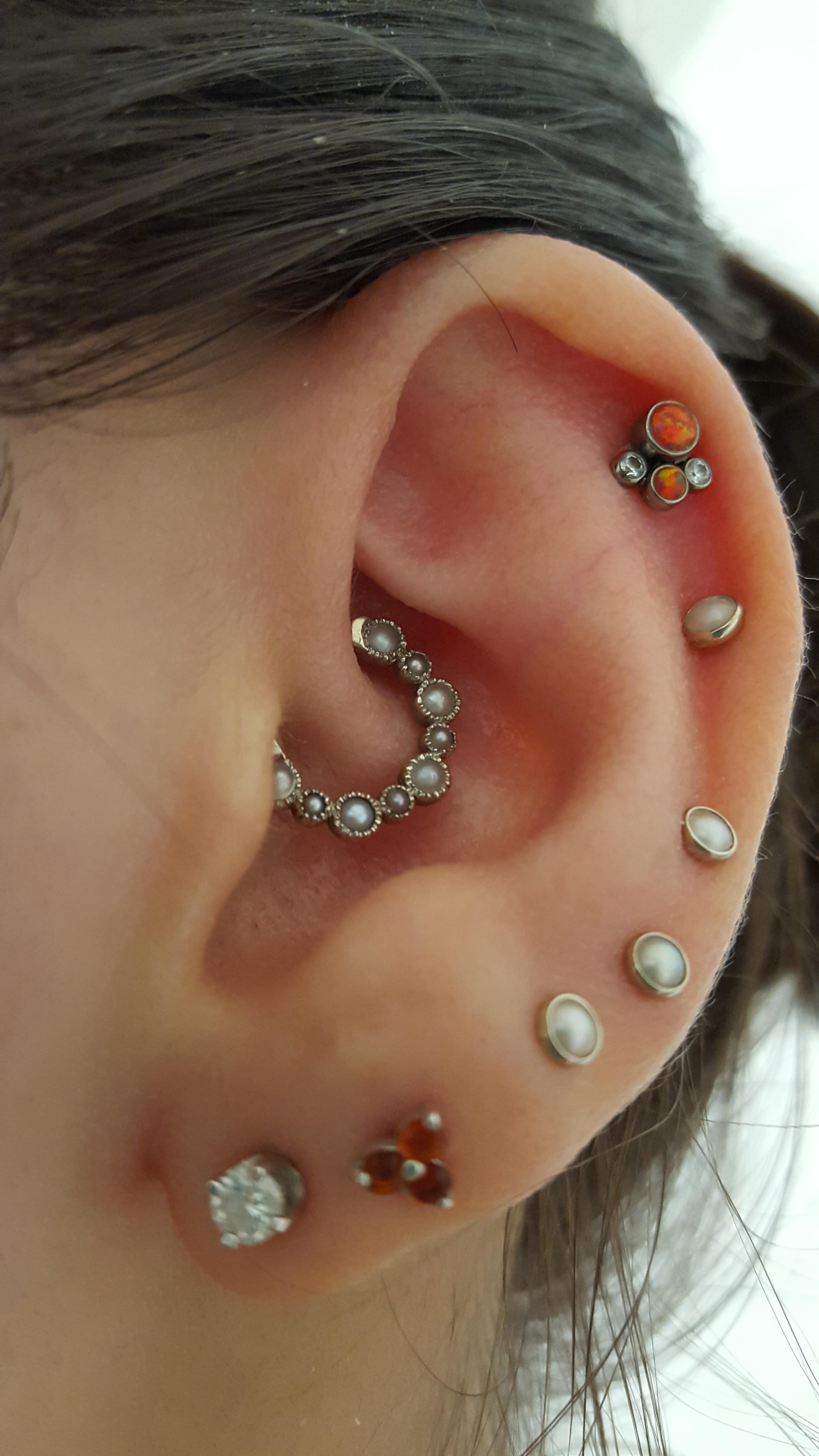 /u/butterfly_cooch Ear piercings, Piercings, Piercing tattoo