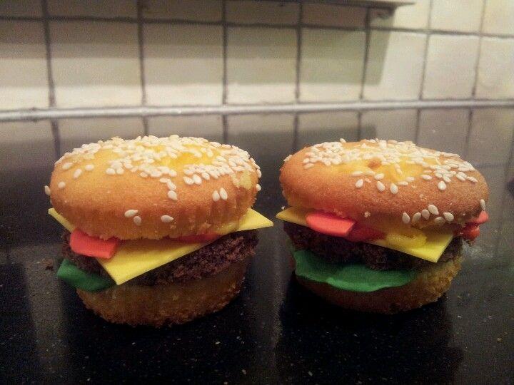 groentes van fondant en hamburgers van chococake.