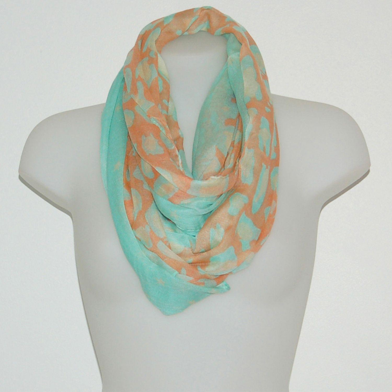 52c009e70b4 Foulard imprimé léopard vert d eau - foulard  mode  tendance  fashion   milenamoda http   milena-moda.com
