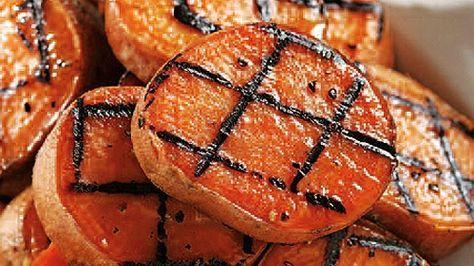 Patates douces sur le grill - Recettes de cuisine, trucs et conseils - Canal Vie