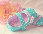 Adorable baby/toddler shoes! I want to buy them all!