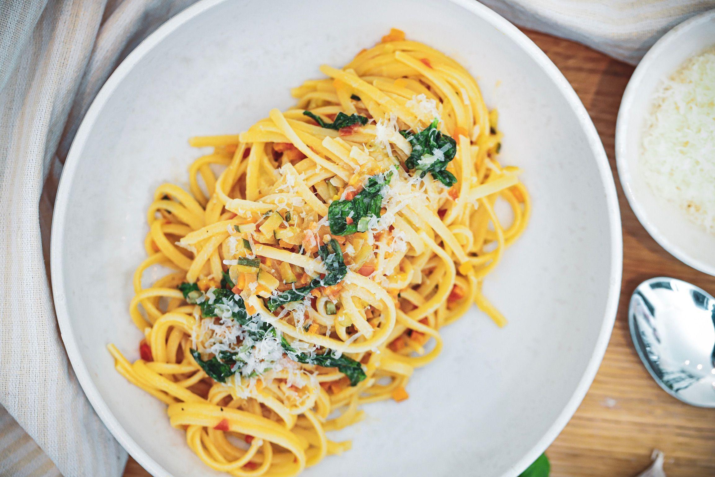 Pasta med grøntsagssauce #vegetaropskrifter Opskrift på en nem og virkelig lækker vegetar pasta med en velsmagende grøntsagssauce. #vegetaropskrifter Pasta med grøntsagssauce #vegetaropskrifter Opskrift på en nem og virkelig lækker vegetar pasta med en velsmagende grøntsagssauce. #vegetaropskrifter Pasta med grøntsagssauce #vegetaropskrifter Opskrift på en nem og virkelig lækker vegetar pasta med en velsmagende grøntsagssauce. #vegetaropskrifter Pasta med grøntsagssauce #vegetaropsk #vegetaropskrifter
