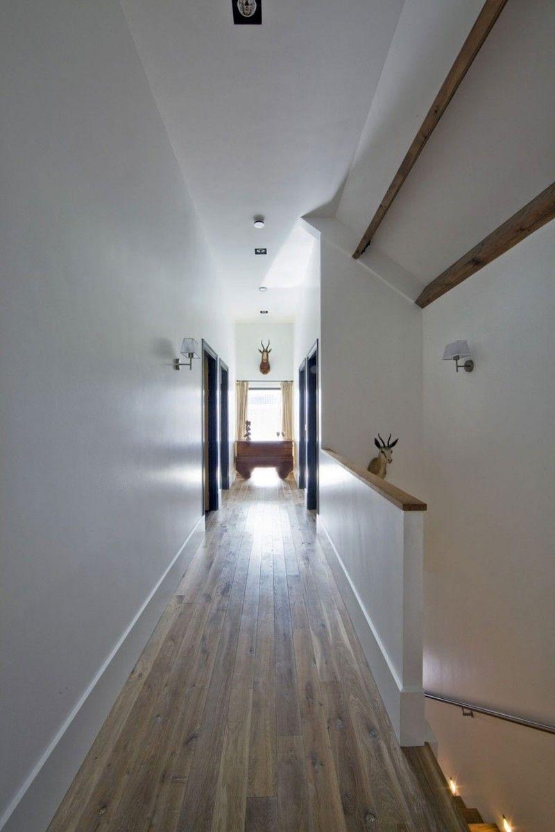 -light @ end of corridor