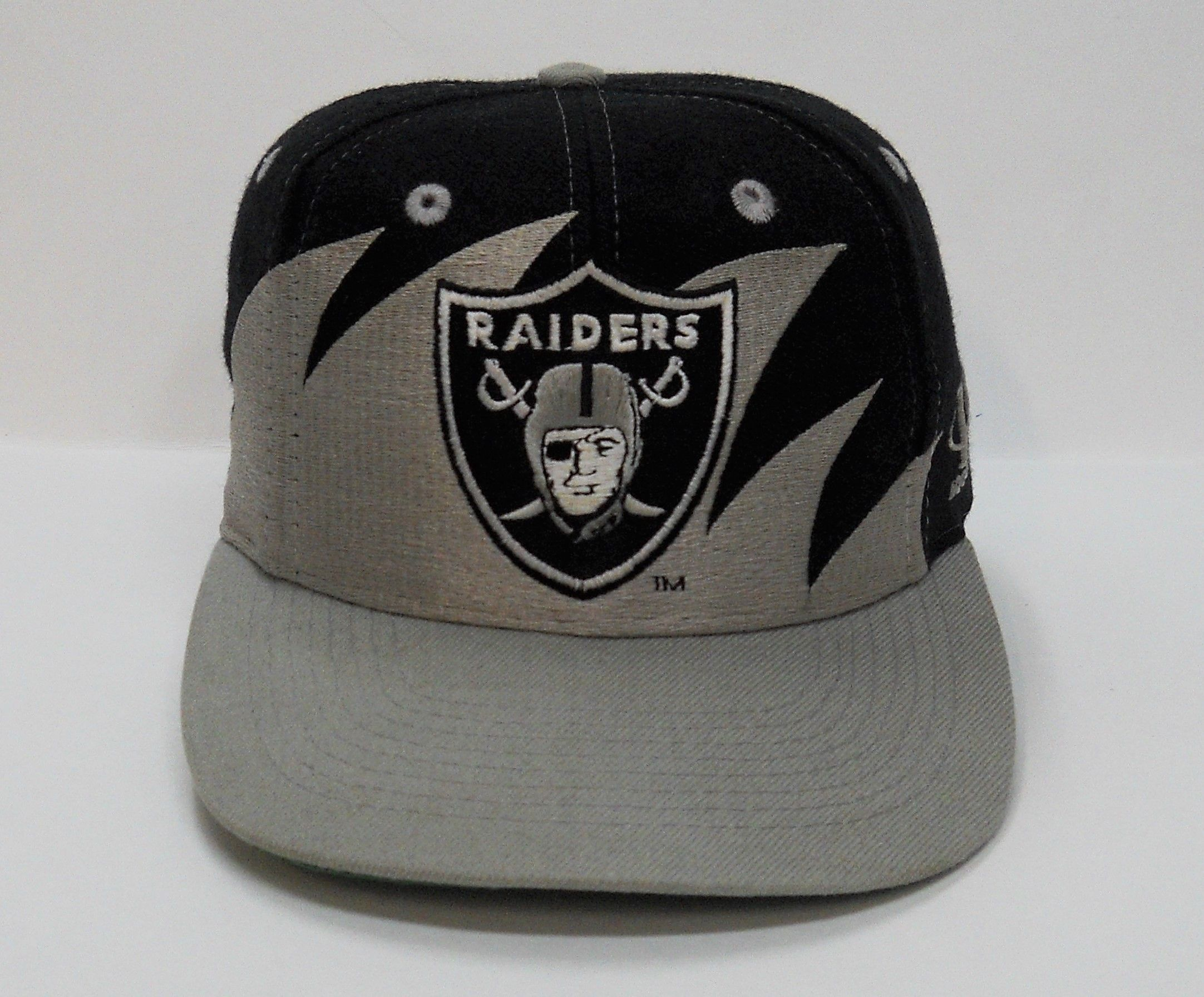 7d754622642d5e Vintage circa 1994 LA Raiders Sharktooth Snapback by Logo Athletic  (pre-owned, OSFM)