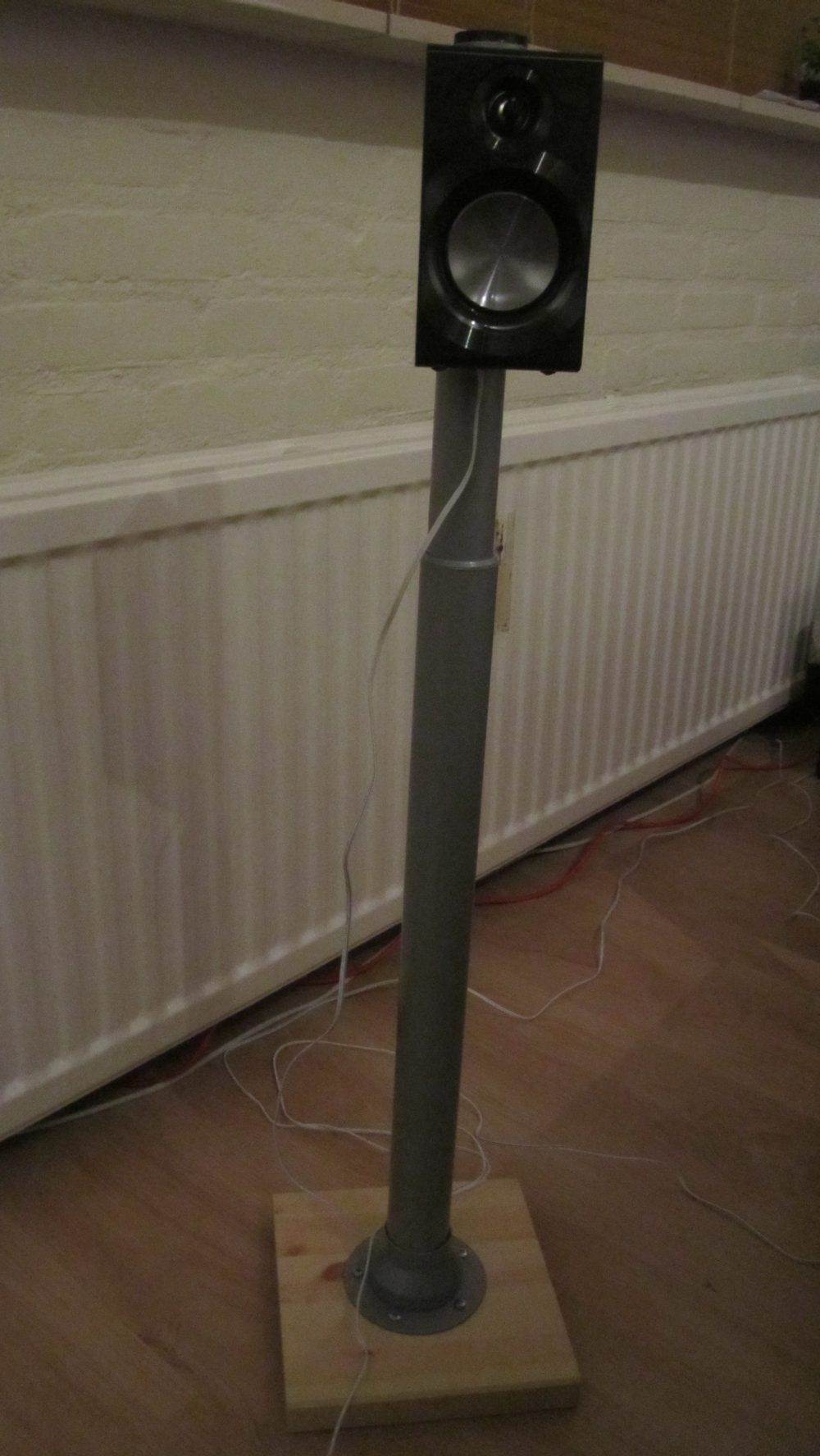5 1 rear speaker stand vika kaj shelves diy speakers diy furniture diy. Black Bedroom Furniture Sets. Home Design Ideas