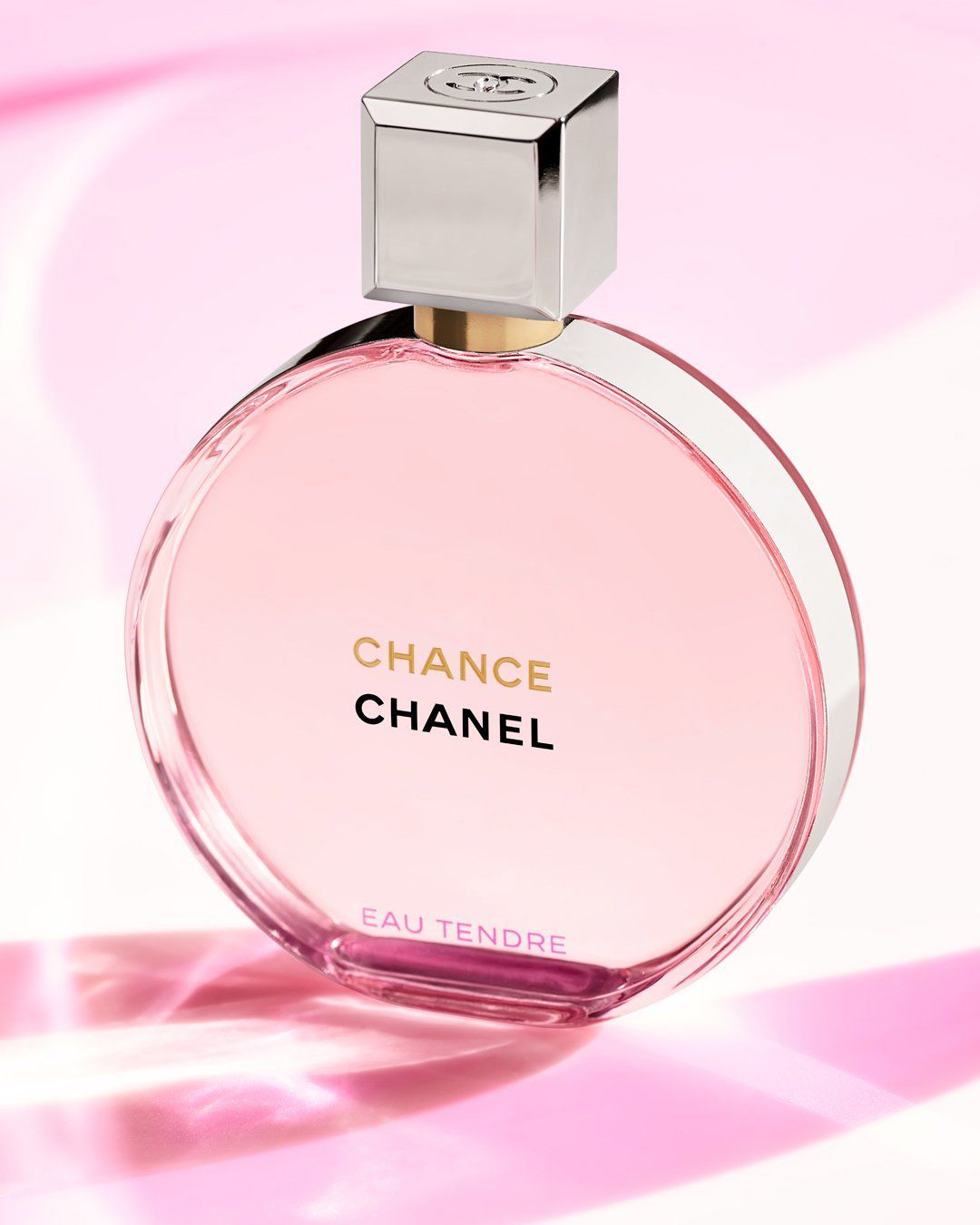 Chanel Chance Eau Tendre Eau De Parfum A Constellation Of Enveloping Notes Of Jasmine Absolute And Rose Essence Dazzle In 2020 Luxury Perfume Perfume Luxury Fragrance