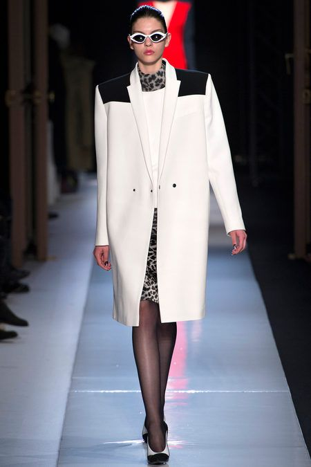 FALL 2013 READY-TO-WEAR  Roland Mouret