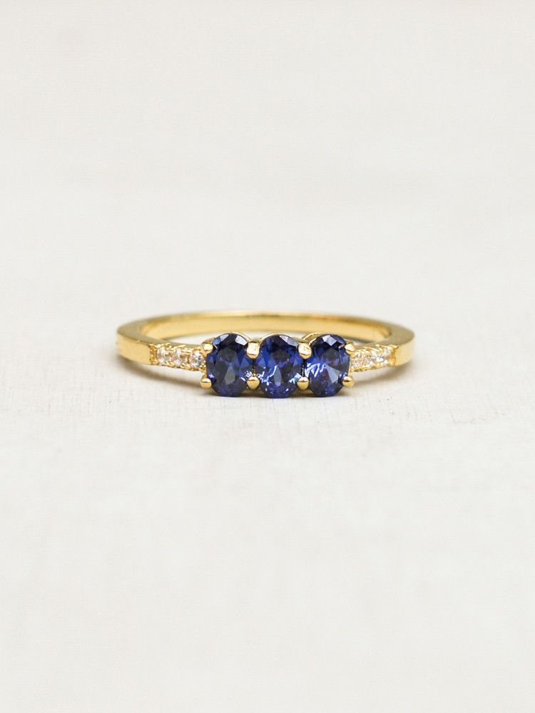 Petite 3Oval Ring Gold Tanzanite Oval rings Petite and Ring