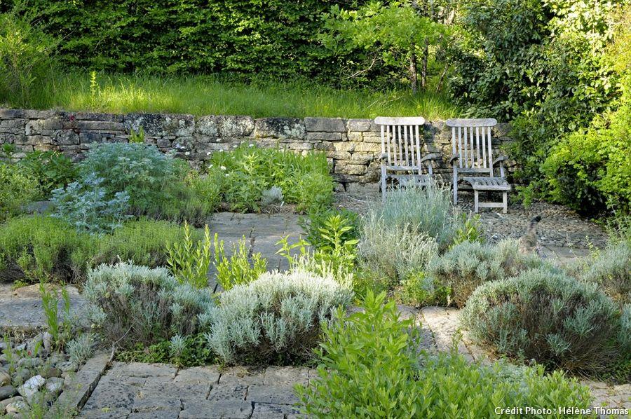 Un jardin fleuri et parfum au coeur du p rigord jardin pinterest jardins jardin mineral - Baraque de jardin ...