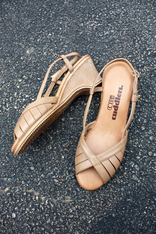 fe56fe180d5 1970s vintage wedge sandals   Cobbie Cuddlers peep-toe tan shoes 6.5.   22.00