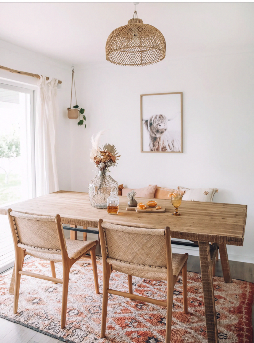 Elise Cook (@elisecook) just posted her house reveal and I am all about this dining room. LOVE! This vintage Moroccan rug in the dining room is so beautiful. pinks, reds, creams - perfect! #diningroomrug #vintagerug #moroccanrug #diningroom #vintagedecor
