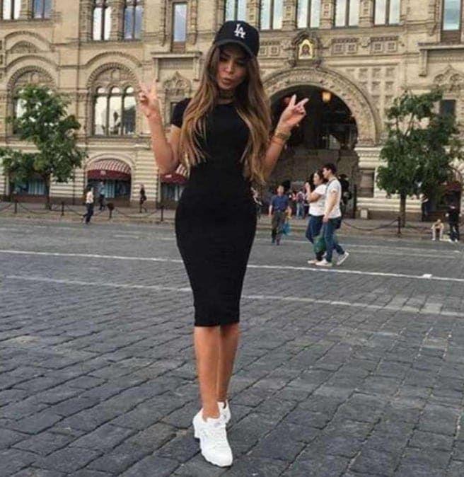 47 Outfits Con Tenis Blancos Para Chicas Belleza Con Liliana En 2020 Vestidos Con Tenis Outfits Con Tenis Tenis Blancos De Moda