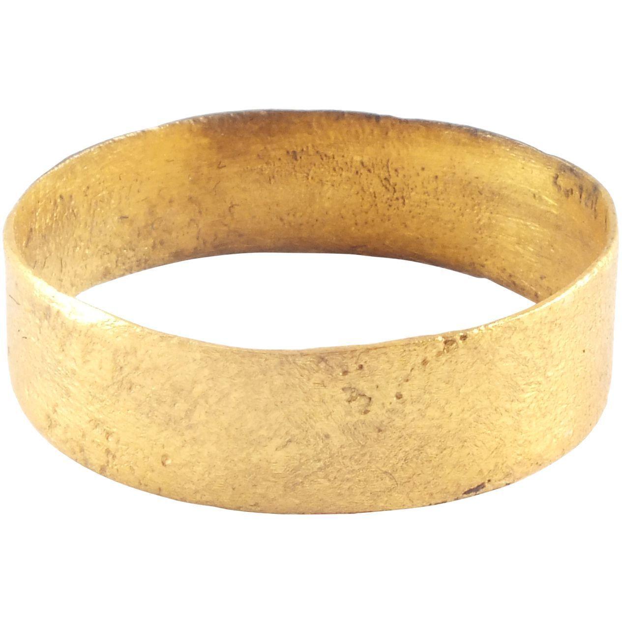 VIKING MAN'S WEDDING RING 8501050 AD Viking men