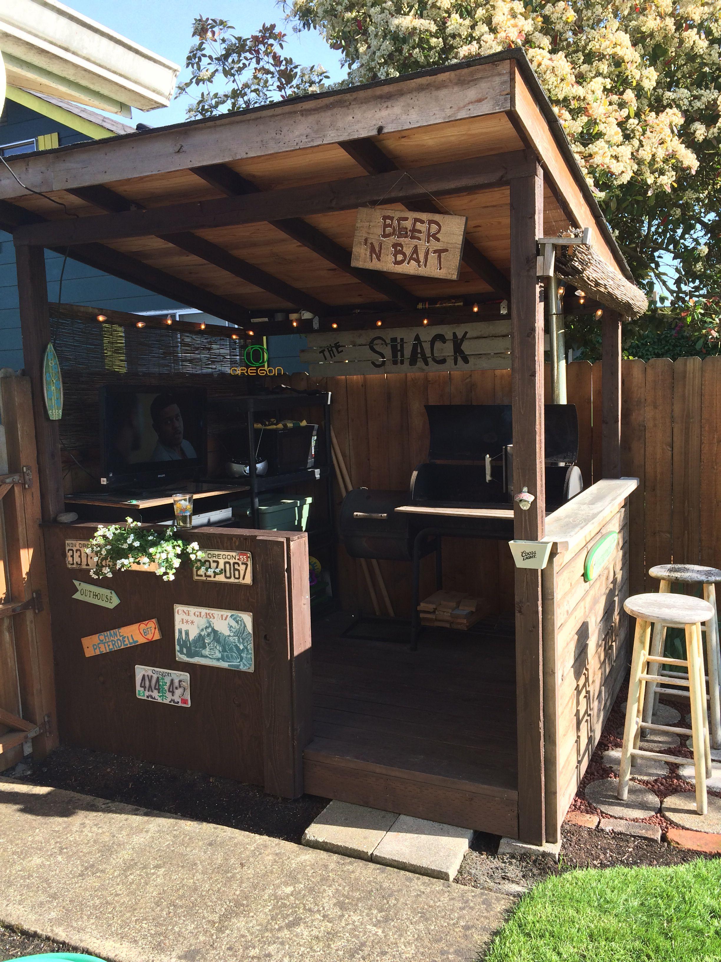 BBQ shack   Outdoor kitchen design, Backyard bar, Bbq ... on Diy Bbq Patio id=67276