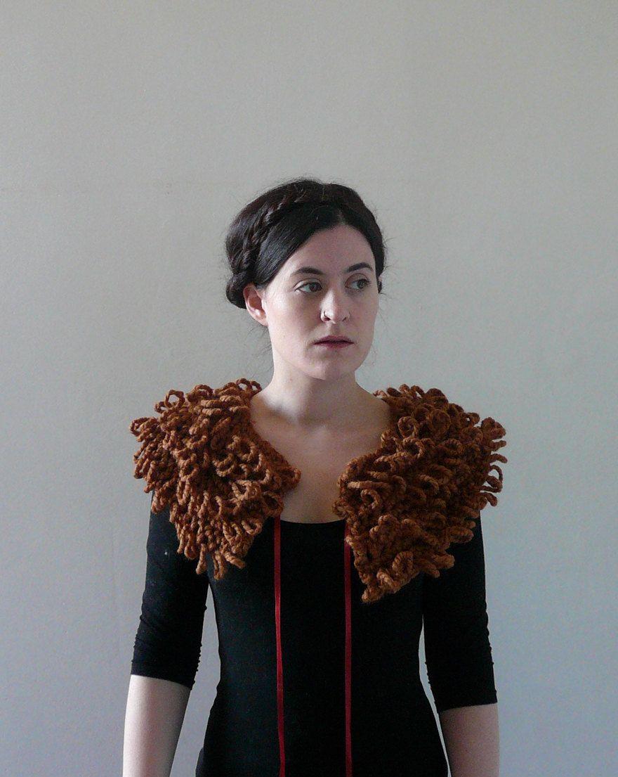Detachable Collar, Fake Fur Collar, Jacket Collar - The Siren in Hazlenut. £38.00, via Etsy.