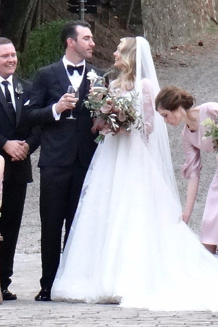 Kate Upton\'s Modest, Sheer-Sleeved Wedding Dress Is the Kind You ...