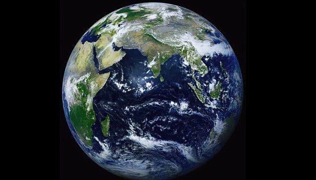 Nasa Reveals Fifteen Most Groundbreaking Satellite Views Of Earth Satellite View Of Earth Earth Planets