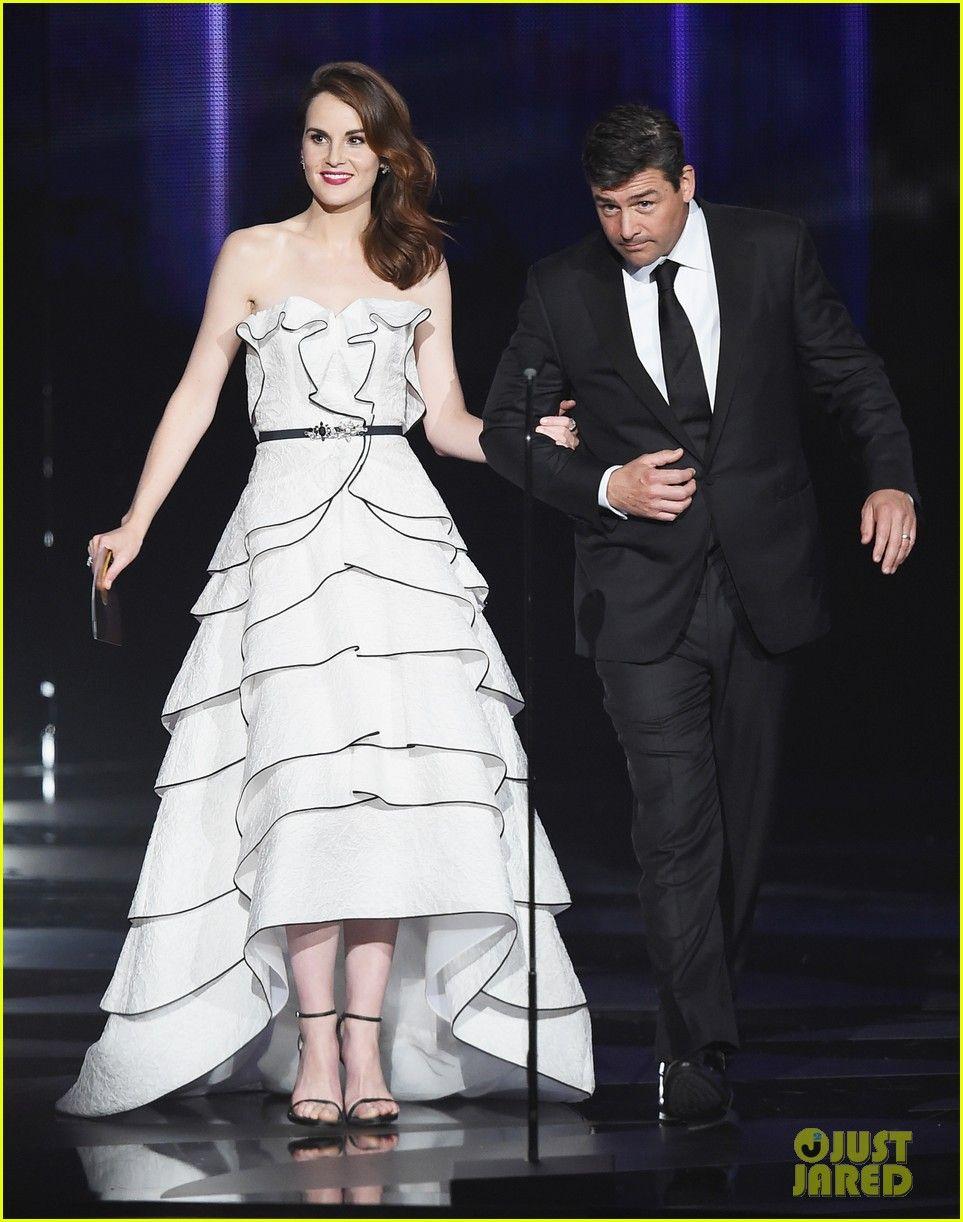 Connie Britton & Kyle Chandler Both Attend Emmy Awards 2016 | connie britton kyle chandler 2016 emmys 11 - Photo