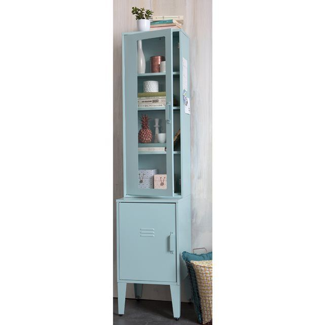 cette armoire vitrine m tallique hiba nous rappelle les vestiaires industriels tant convoit s. Black Bedroom Furniture Sets. Home Design Ideas