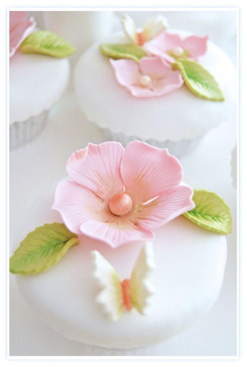(via Wedding Cupcakes | Cupcakes♥Mini cakes)