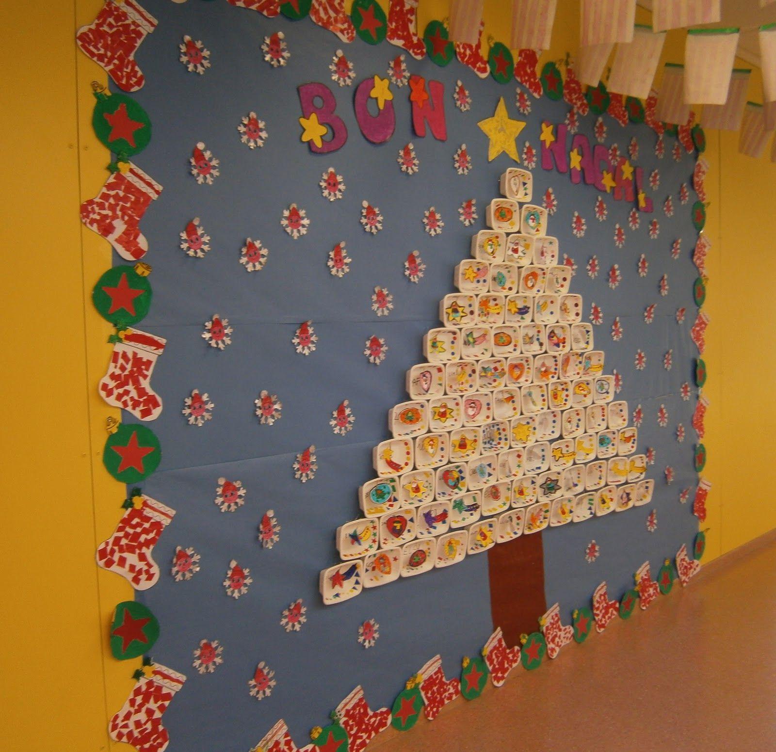 Mural de nadal fet amb safates de porexpan decorades - Murales decorativos de navidad ...