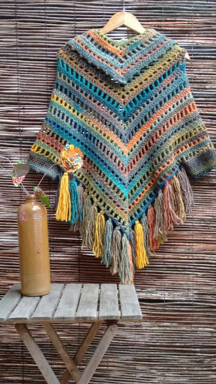 Pin By Carina Meynet On Cardigane Rochițe Poncho Etc Cu și Fără Scheme Crochet Poncho Patterns Boho Crochet Crochet Shawls And Wraps