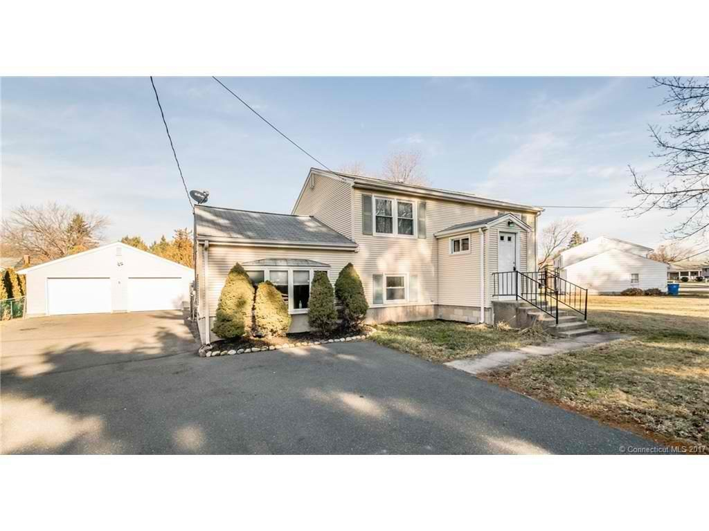 New Listing 197 Robertson St Bristol Ct Fantastic Raised Ranch With 3 Spacious Bedrooms Realty Bristol Ranch