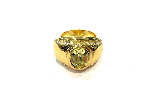A rare and wonderful addition to our designer collection this gold