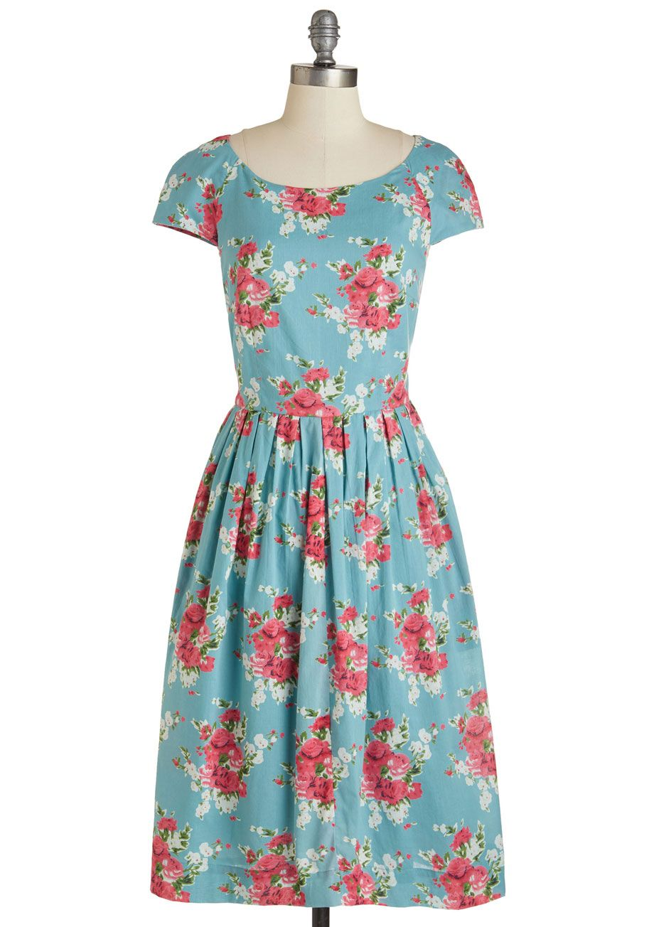 Emily And Fin Unmatched Panache Dress In Roses Mod Retro Vintage Dresses Modcloth Com Retro Vintage Dresses Mod Cloth Dresses Pretty Dresses [ 1304 x 913 Pixel ]