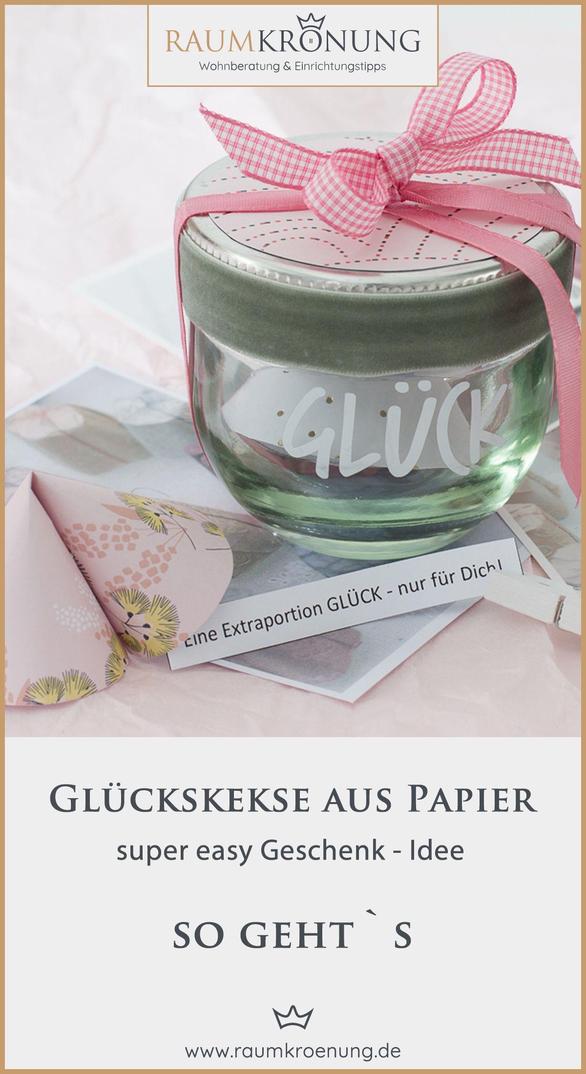Schnelle Geschenkidee oder Tischdeko zur Hochzeit: Glückskekse aus Papier basteln   Raumkrönung - Wohnberatung & Einrichtungstipps