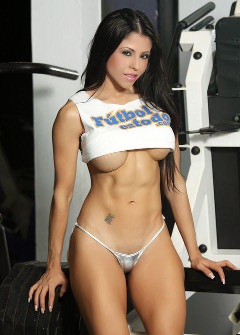 Lady sexy biceps