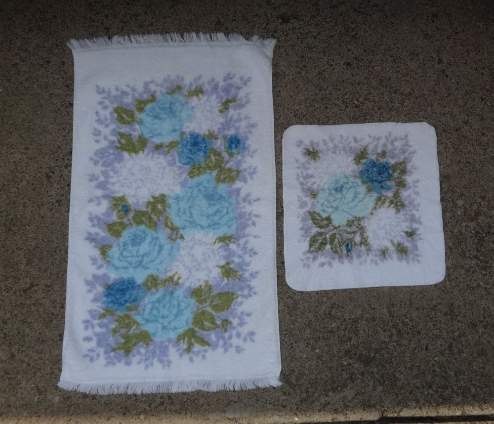 Vintage Fieldcrest Blue Royal Velvet Floral Retro Chic Hand Towel