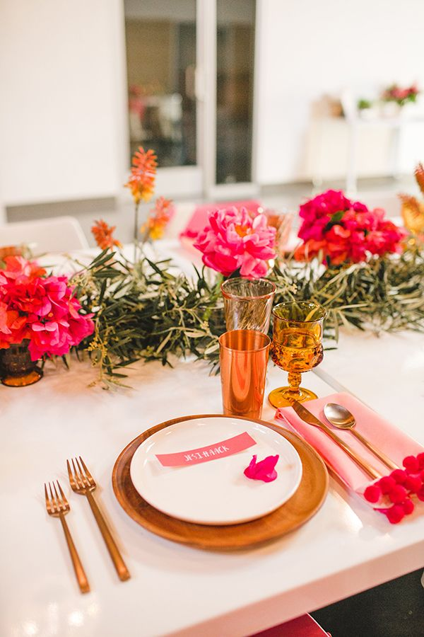 Rose gold and pink table decor