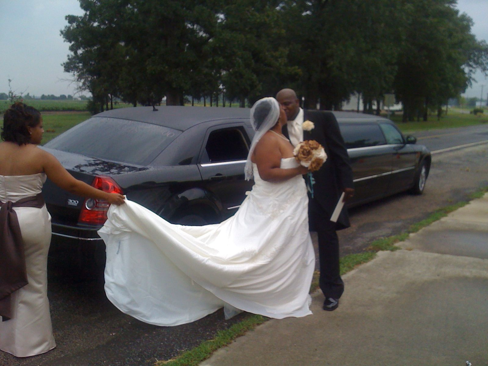 TCL's provide superb Limo services for all wedding anniversaries that incorporate 2 to 30 participants. If you do not understand how to start or which restaurant to pick let our experienced customer support agent help make specific booking for you and or give a couple of ideas. For more info call us on 1-800-720-3818