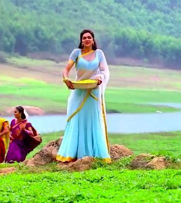 Deepika Padukone in Chennai Express | Half saree, Deepika ...