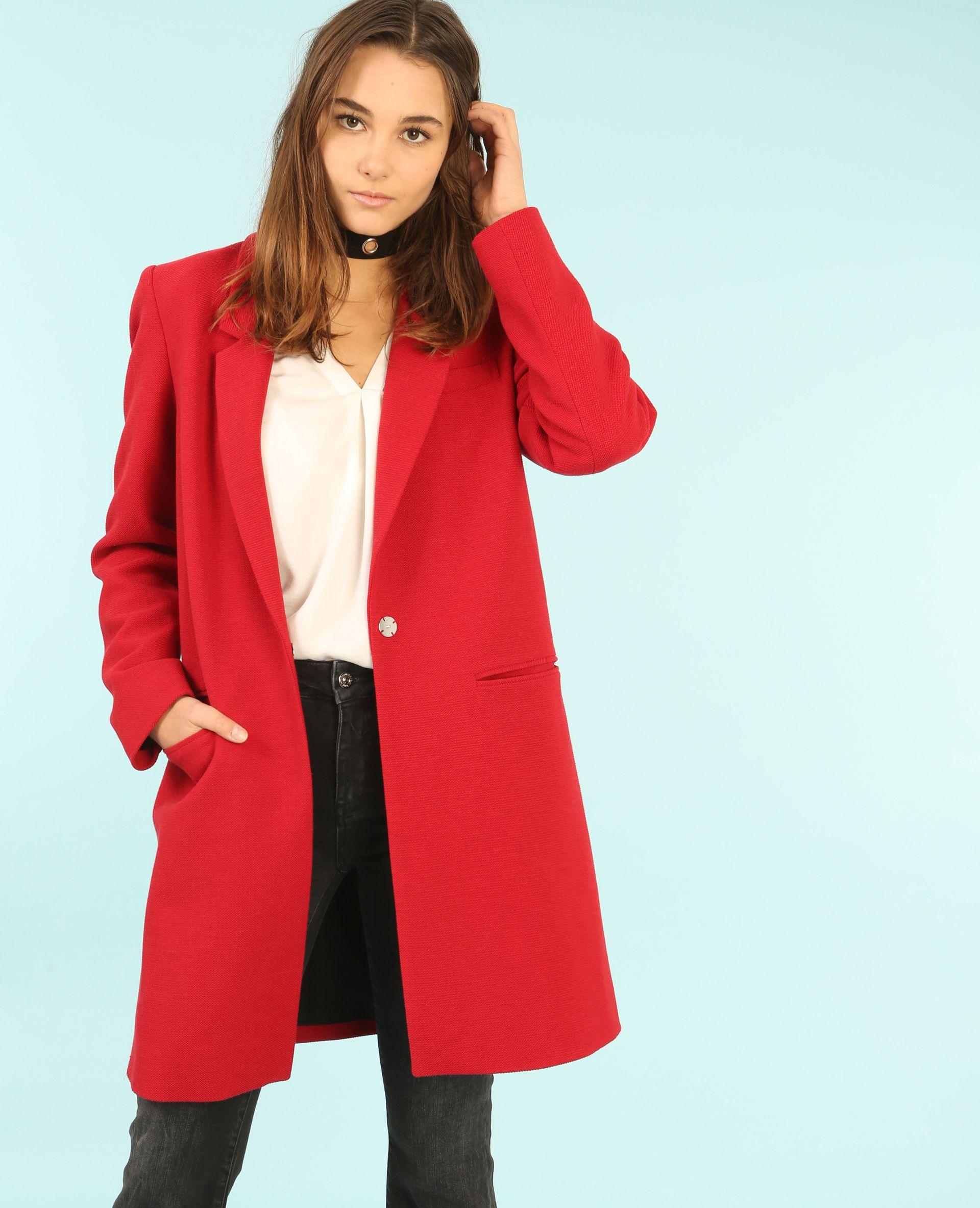 837c5c5d7db Manteau droit - Optez pour le chic peps avec le manteau rouge ...