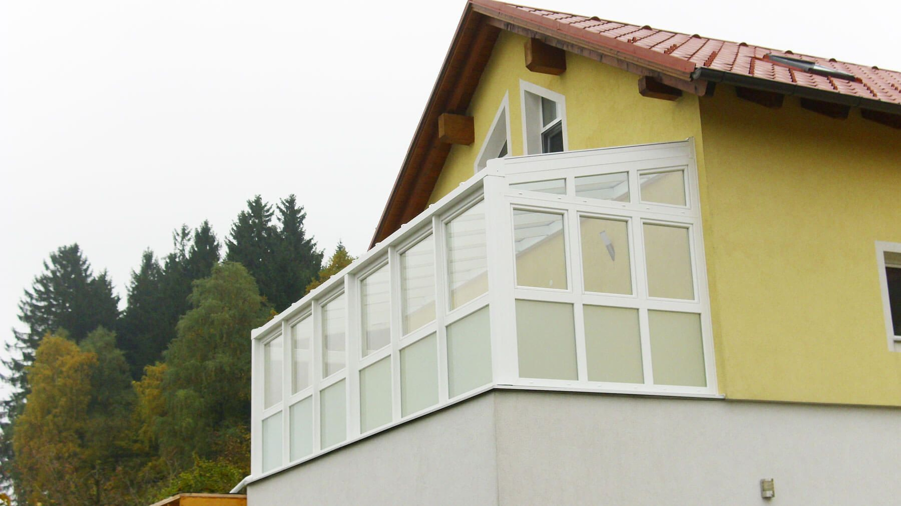 Wintergarten Kunststoff mit DrehKipp Fenster in weiß