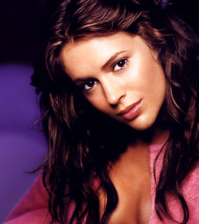 Alyssa Milano Easily One Of The Most Beautiful Woman Alive
