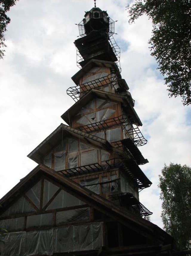 Sad tale of Alaska's whimsical house