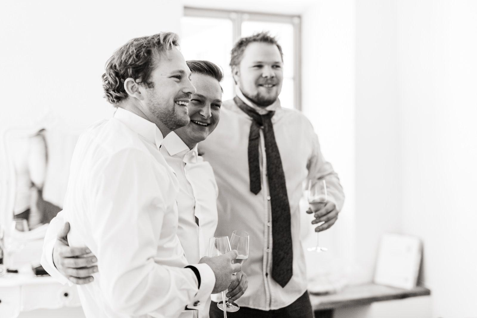 Trachtenhochzeit Im Winterwonderland In 2020 Hochzeit Winterhochzeit Braut