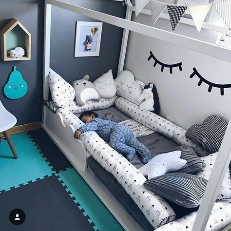 Kleinkind kinderzimmer f r jungs kinderbett wei neutral ocuk odas em 2018 pinterest - Kinderzimmer neutral ...